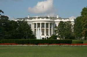 Pacco sospetto davanti alla Casa Bianca