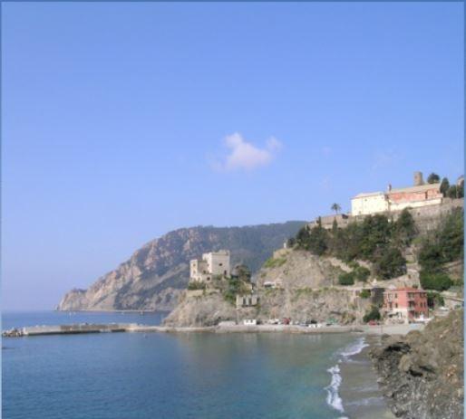 """Liguria – Frati del Convento Monterosso chiedono """"elemosina"""" da 450.000 € sul web"""