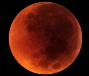 Eclissi di Luna sabato 4 aprile