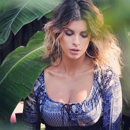 Gossip – Elisabetta Canalis e il mistero del seno 'lievitato': è incinta?