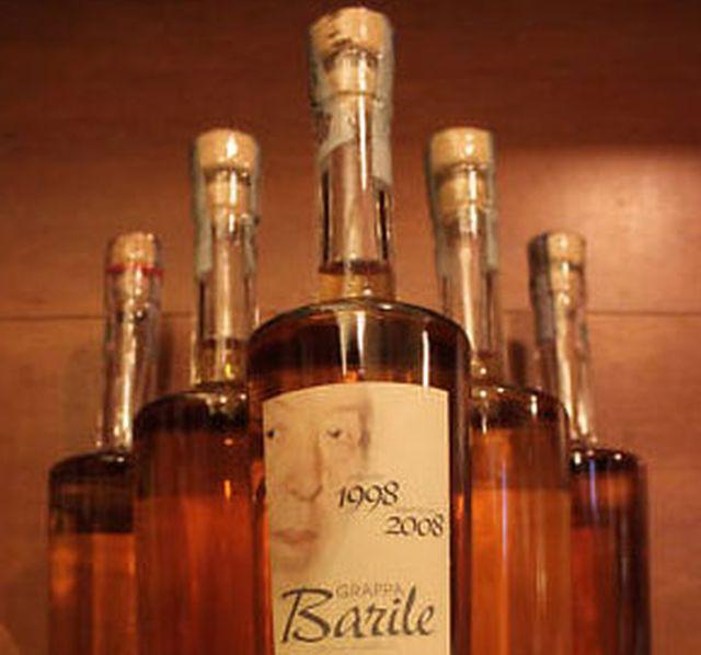 Maxi furto di bottiglie da collezione alla Grappa Barile