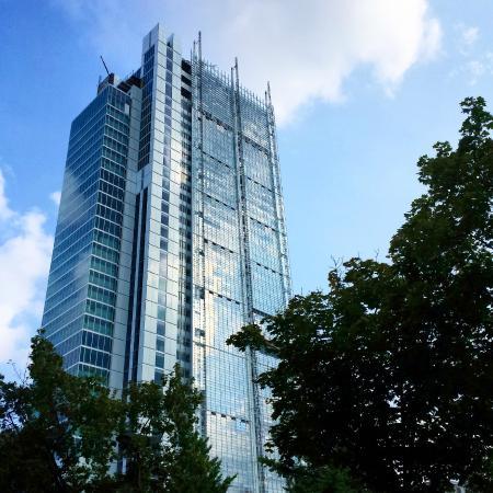 Renzo Piano inaugura il suo nuovo grattacielo a Torino