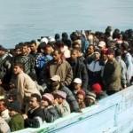 Migranti - Soccorso barcone con bambini e neonati a Santa Maria di Leuca