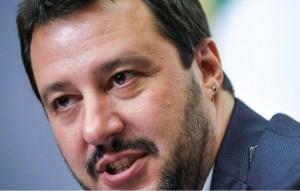 Salvini a Genova - Il Cap chiede alla Lega di rinunciare alla sala