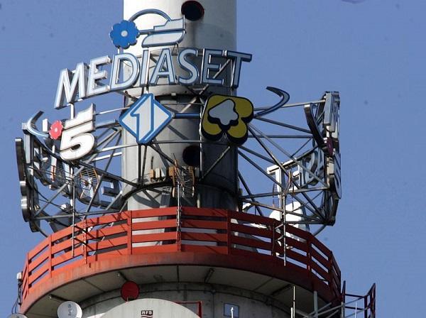Blackout totale di Mediaset in tutta Italia: mistero sulle cause
