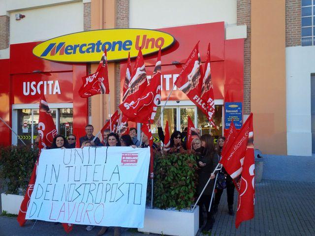 Mercatone Uno – Sciopero a Genova contro rischio chiusura