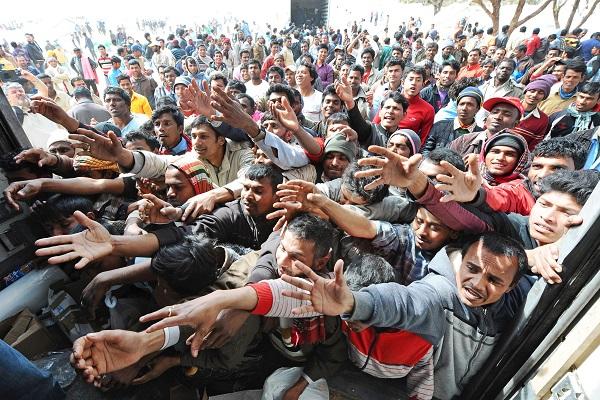 Immigrazione – Naufragio a Largo della Libia: 400 morti