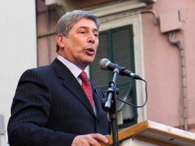 Elezioni Liguria 2015 – Morgillo a Toti: in Liguria vieni solo per fare il bagno