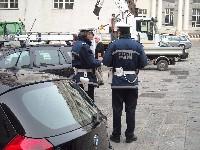 Sequestrato il furgone ad un venditore abusivo di frutta e verdura in corso Sardegna