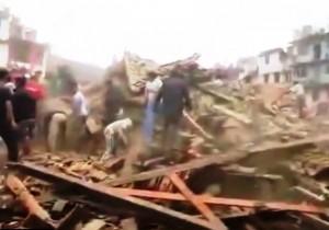 Nepal, uova forte scossa di terremoto a Kathmandu, altri morti