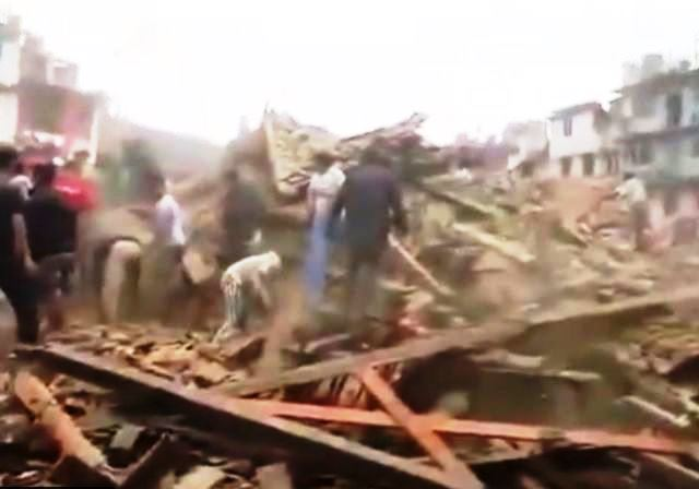 Terremoto in Nepal – Sale il bilancio delle vittime, almeno 1900