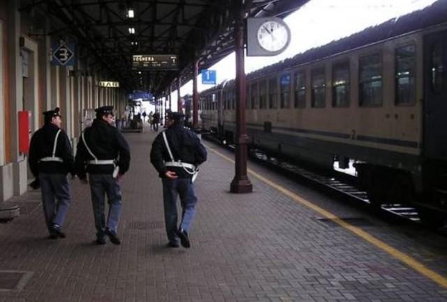 Due uomini armati di coltello fermati su treno e in stazione dalla Polizia Ferroviaria