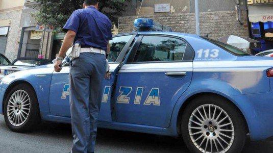 Ancona, minaccia i vicini di casa poi appicca incendio