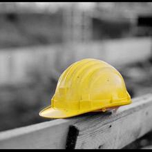 L'Aquila – Operaio cade da tetto alto 5 metri: morto