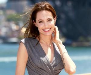 Angelina Jolie lascia la Fondazione di Lady D