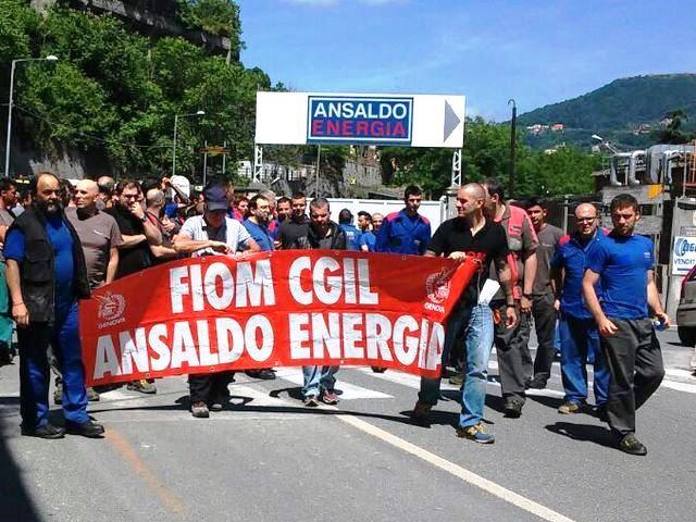 Ansaldo Energia – Operai sfilano in corteo e bloccano casello Genova Ovest