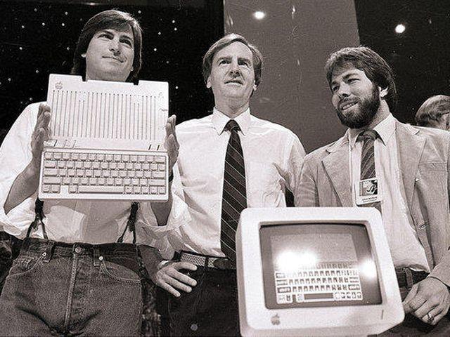 Getta nella spazzatura Apple 1 assemblato da Steve Jobs