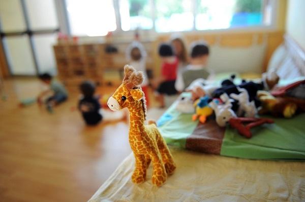 Ancona – Maestra maltrattava bambini all'asilo, sospesa dall'incarico