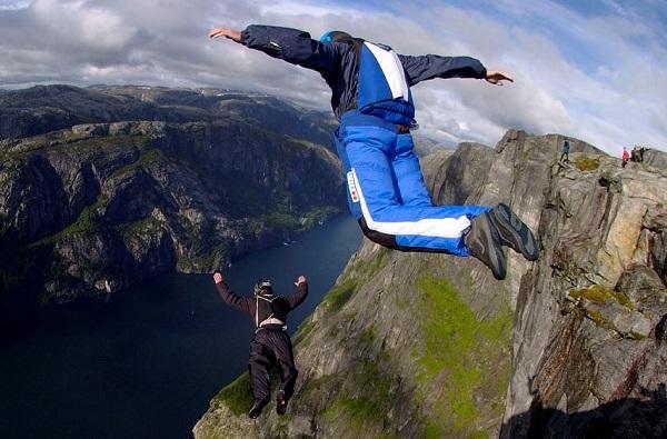 Trentino – Base Jumper muore dopo lancio dal Monte Brento