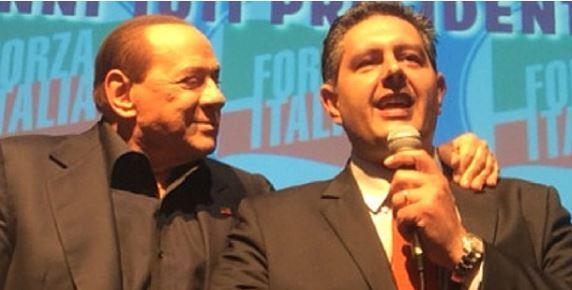 Berlusconi festeggia la vittoria di Giovanni Toti in una festa da Vip