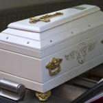 bimbo morto bara bianca