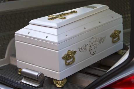 Liguria – Shock a Migliarina, partorisce in cantina e abbandona neonato: morto