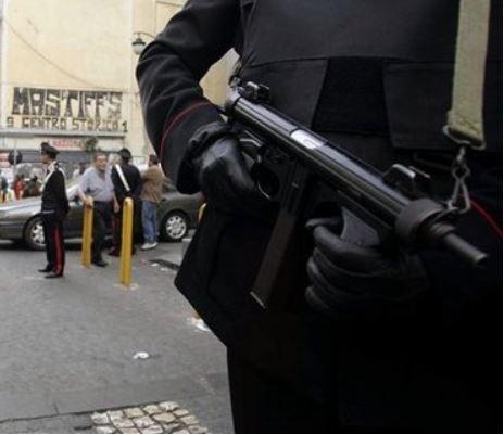 Camorra, arrestato nel suo bunker il boss Ferrara