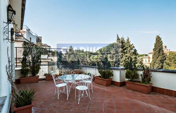 Roma – In vendita casa di Federico Fellini in via Archimede 141