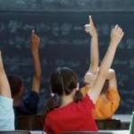 Andria - Schiaffi e minacce ai bimbi delle elementari: arrestata maestra
