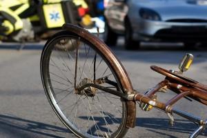 Ospedaletti, auto contro moto: ferita una 50enne