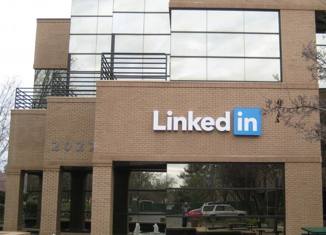 Google sconfitta da LinkedIn per la nuova sede a Mountain View