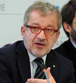 """Migranti – Maroni: """"Bisogna sospendere trattato di Schengen"""""""