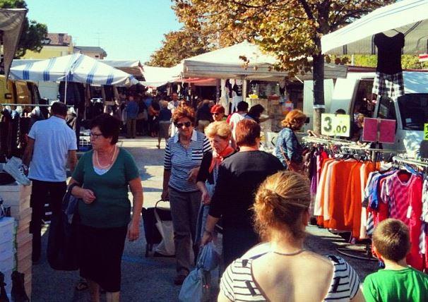 Rimini – Dipendente comunale rubava e rivendeva merce del Comune al mercato: arrestato