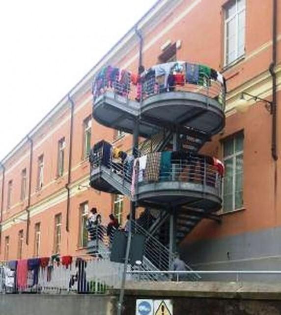 Genova – Migranti all'ex ospedale psichiatrico di Quarto