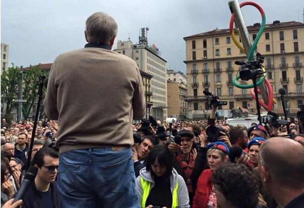 Nessuno tocchi Milano – 20.000 milanesi in piazza per pulire danni No Expo