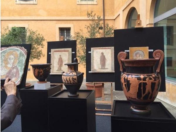 Pompei – Affreschi rubati recuperati negli Usa e restituiti all'Italia