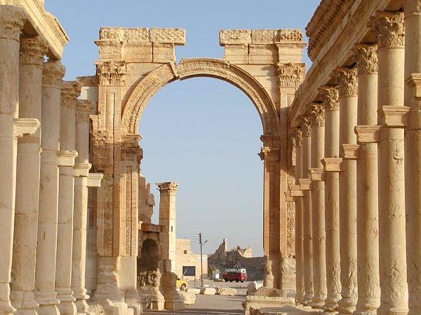 Siria – A Palmira distruzioni dell'Isis in corso
