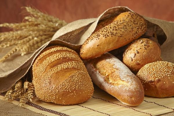 Sanremo, panificio dona pane alle persone bisognose