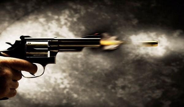 Savona, colpi di pistola contro auto: avvolta nel mistero la sparatoria della notte scorsa a Zinola