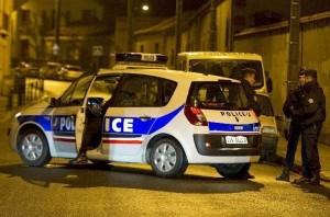 Auto con bombole di gas trovata vicino a Notre Dame