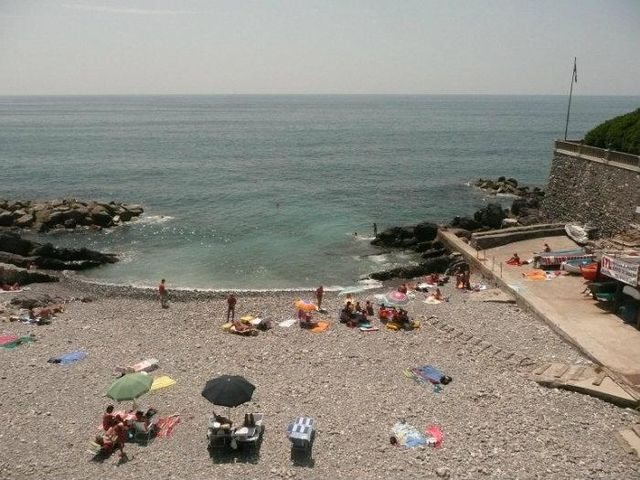 Spiaggia di Murcarolo off limits per i tuffi, acque inquinate a Quinto