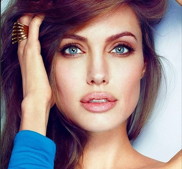 Fiori d'arancio in vista per Angelina Jolie secondo i tabloid inglesi