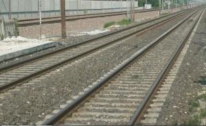 Treno travolge e uccide uomo, traffico bloccato sulla Napoli-Roma