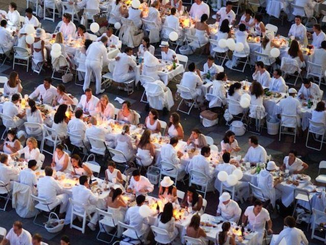 Cena in Bianco torna a Genova