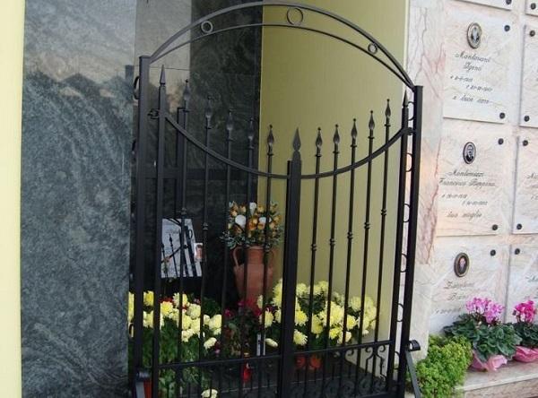 Napoli – Loculi cimitero Poggioreale rivenduti ad insaputa dei proprietari