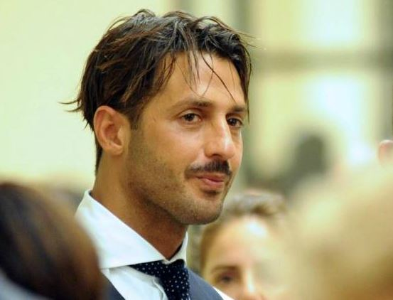 Milano, ancora guai per Fabrizio Corona: arrestato per intestazione fittizia di beni