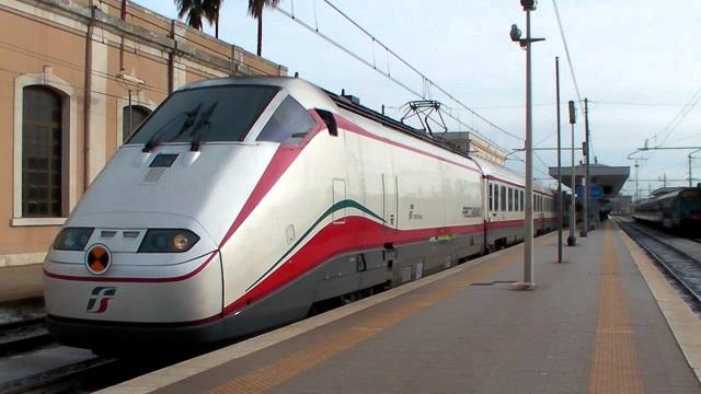 Maltempo – Riaperta la linea ferroviaria Roma – Firenze