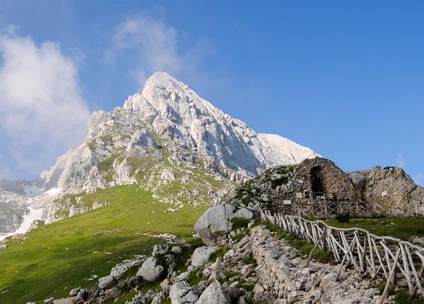 Gran Sasso – Alpinista morto dopo caduta di 400 metri