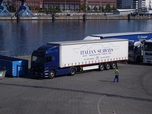 Genova – Italian Seaways: protesta si sposta in Regione e in Comune