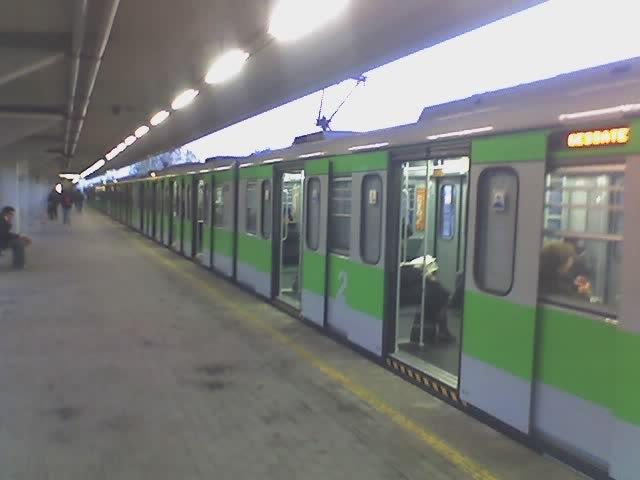 Milano – Passeggero colpito da un sasso in metropolitana